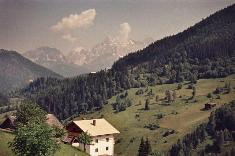 Blick vom Feld in Richtung Dachstein, ca. 1964, © Fam. Raab aus Köln