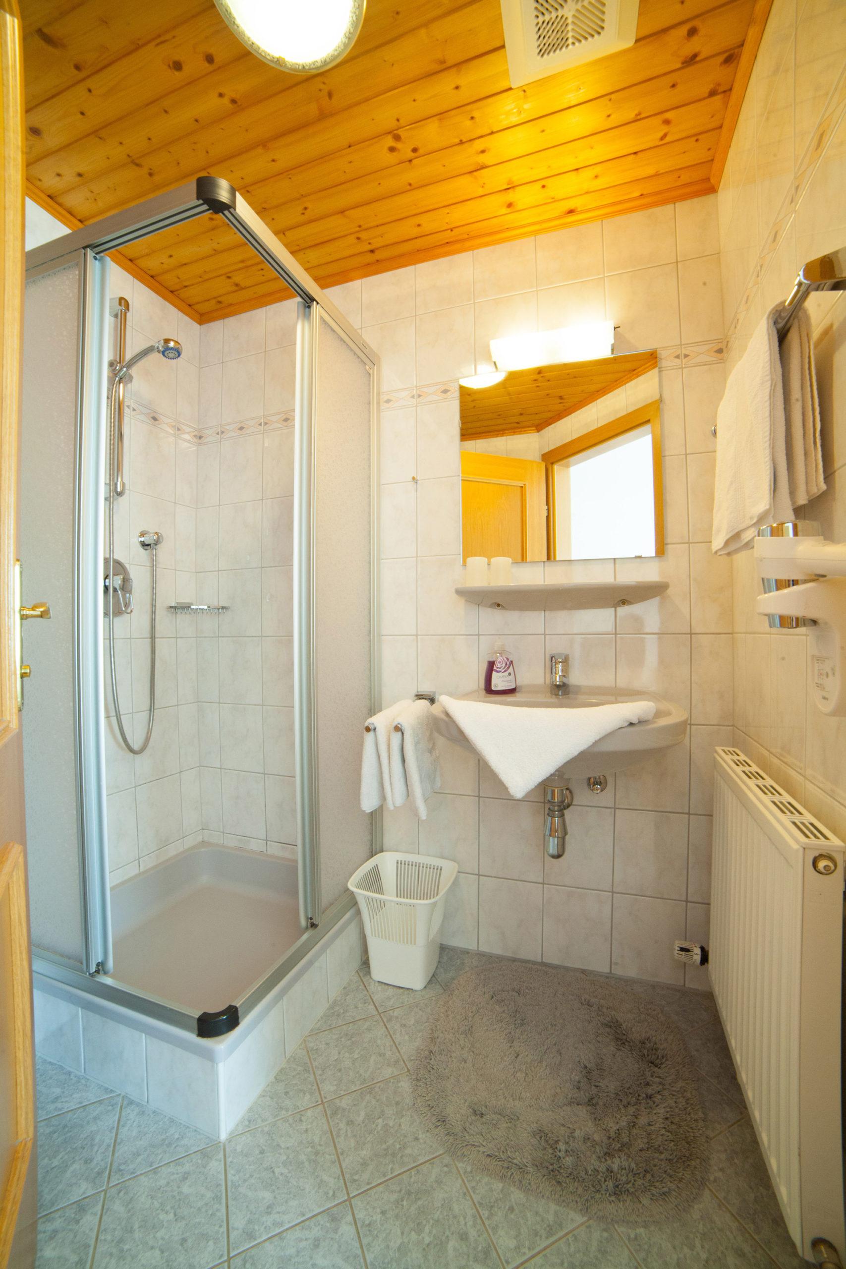 Badezimmer des Doppelzimmers